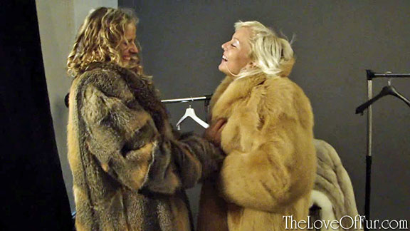 Jana and Niki share thick soft fox fur coats together for the camera