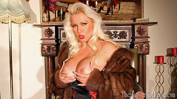 lana cox fur coat mink fetish big tits busty blonde milf lingerie