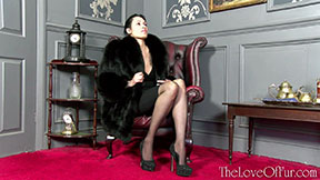glamor model tia saint fox fur coat fetish love glamour stockings heels office